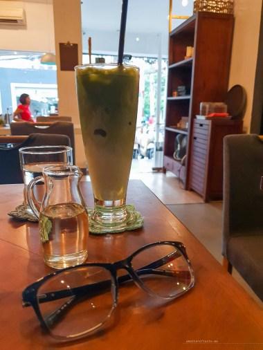 Kamakura cafe HCMC matcha latte