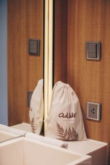 adlib-bangkok-hotel-bathroom-detail