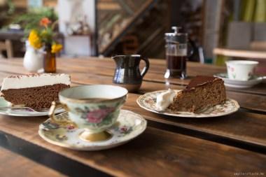 bright-wandiful-produce-cofee-cake