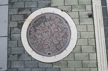 manholes-japan04