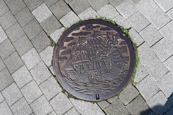 manholes-japan06