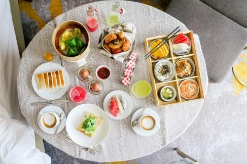 room-service-full-breakfast-SofitelSingaporeCity-82