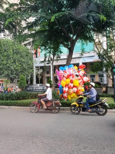 saigon motorbike transport alloons