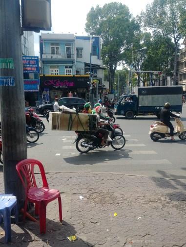 saigon motorbike transport fridge