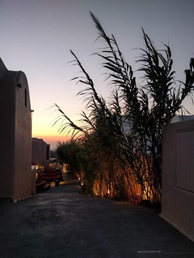 santorini-sunset-arrival-hotel