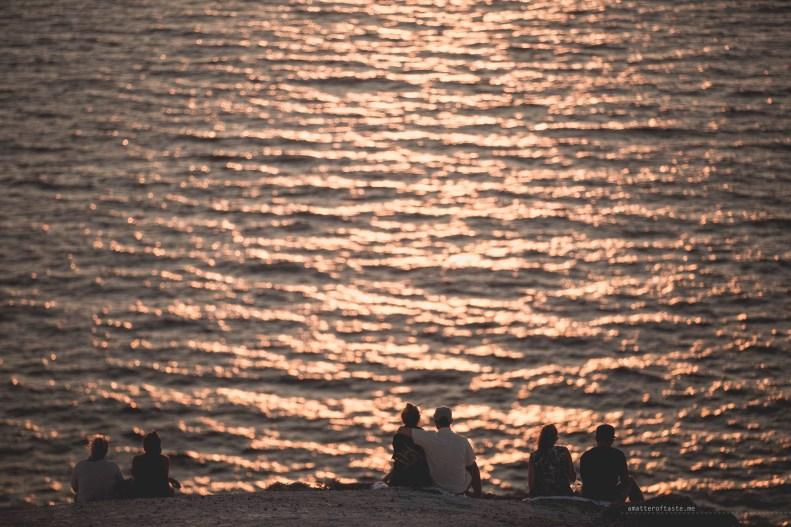 sunset-santorini-lighthouse-06