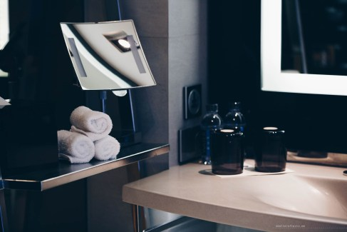 w-hotel-bangkok-22-spectacularroom-bathroomdetail