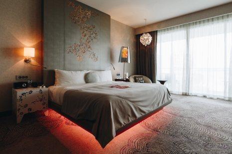 w-singapore-fabulous-bed