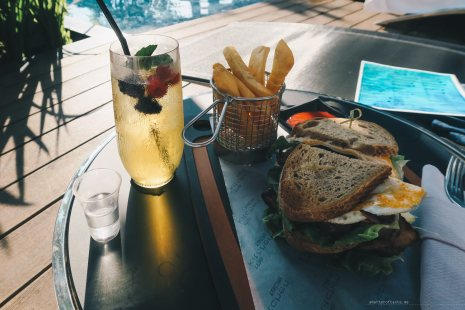 w-singapore-pool-food