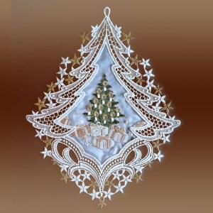 """Weihnachts-Fensterbild """"Bescherung"""" als Baum Plauener Spitze inkl. Saughaken"""