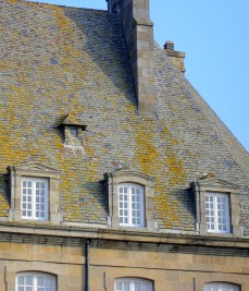 This little window in St Malo was so intriguing. What lay behind?