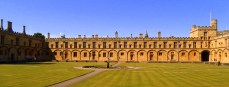 Originally planned as one of the largest cloisters in Europe, Cardinal Wolsey got distracted and it never came to be. This lovely summer's day in Oxford showed it to perfection. https://amaviedecoeurentier.wordpress.com/2015/01/17/papa-bouilloire-chapter-the-second/
