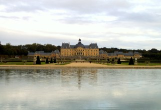 I looked across the lake and photographed the wonderful Vaul le Vicomte accross the water.