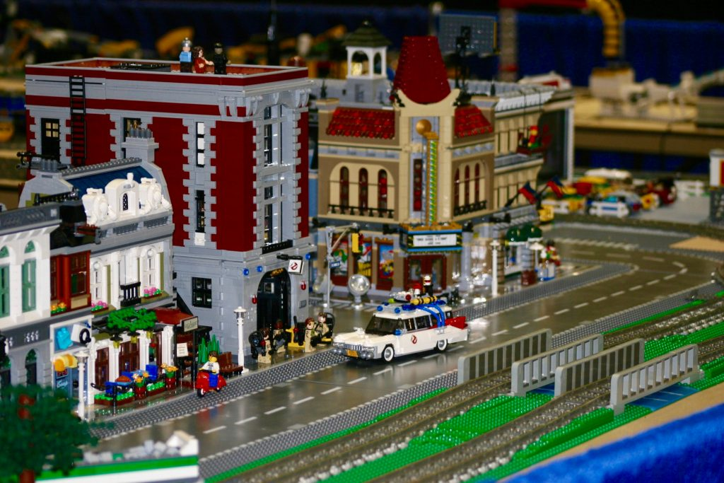 Lego Building Competition   AMAZEatorium slideshow 5