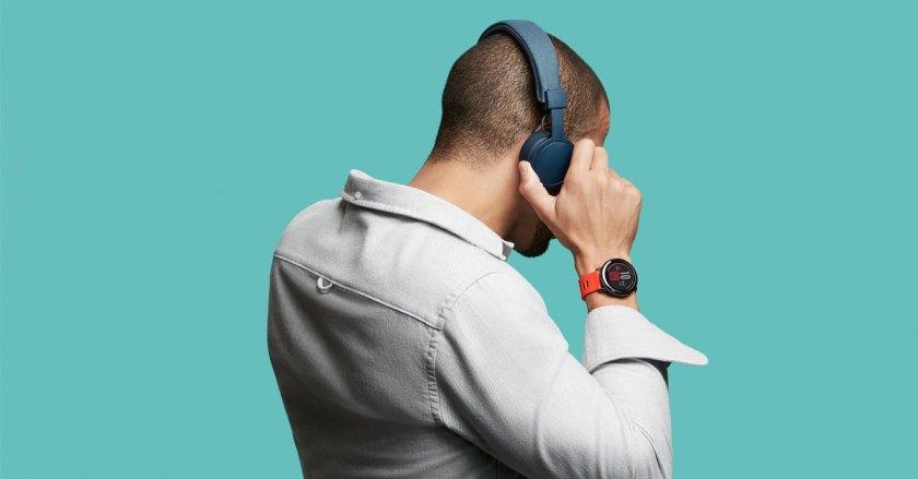 amazfit_pace_smartwatch_headphones