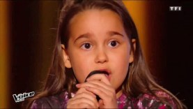 The voice une fille américaine chante Matoube Lounès