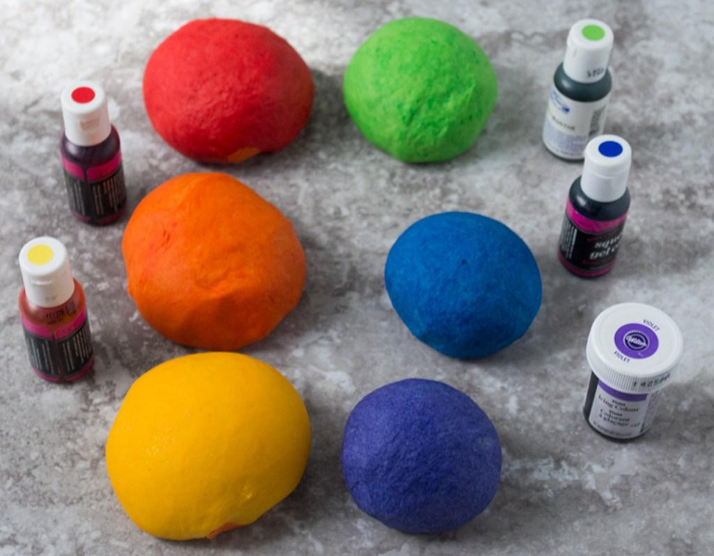 03-Colour-each-portion-of-dough-#rainbowbagels