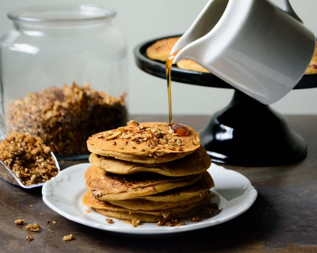 oil-free-vegan-granola-ackee-pancakes-with-maple-syrup