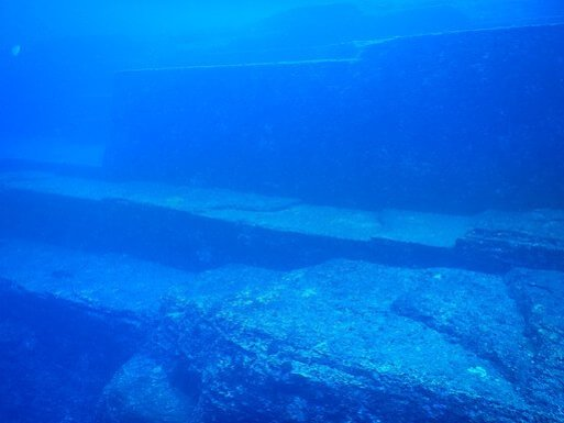 Yonaguni underwater ruins Monument Terraces