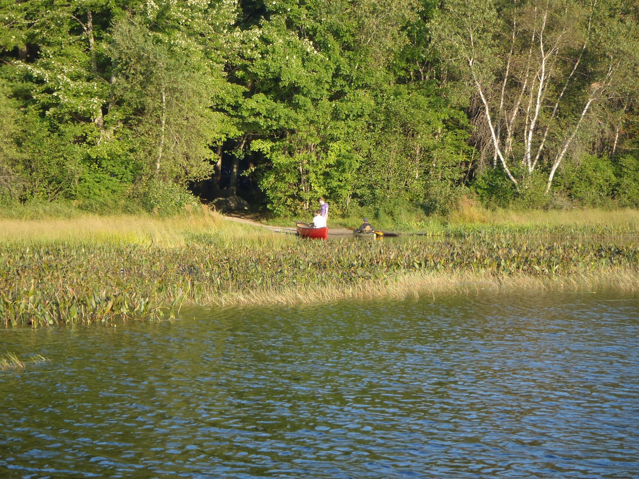 Largemouth bass fishing on highland lake windham maine for Fishing lakes around me