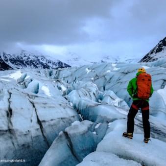 Hiking the Svinafellsjokull glacier