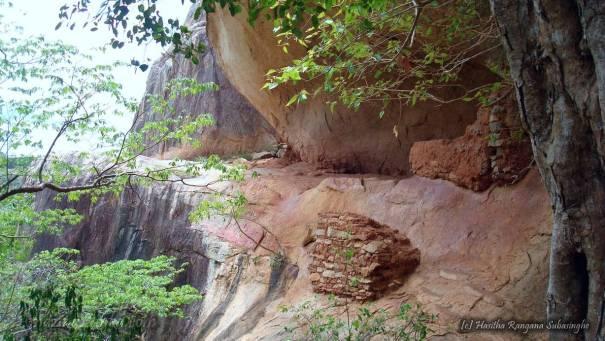 Ata Seta Len (Sixty Eight Caves of Mihintale) - මිහින්තලේ අටසැට ලෙන්