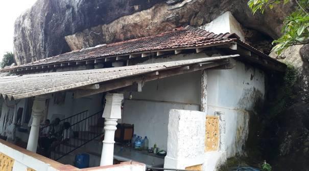 Algama Kanda Ancient Cave Temple