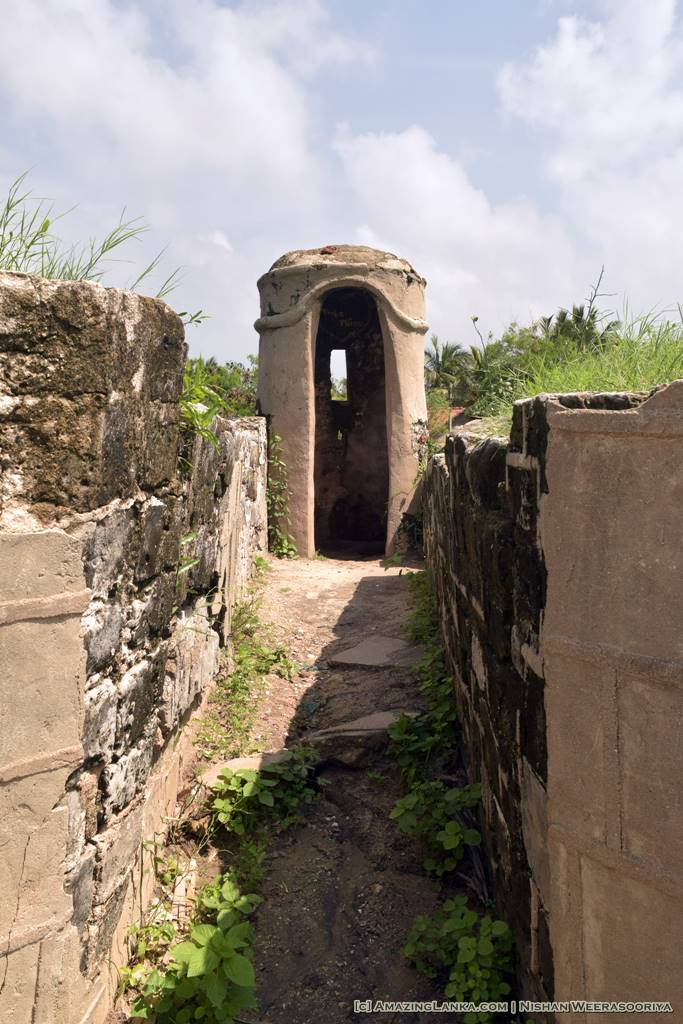 A Guard Post at one of the corners - Walking along the walls of the Mannar Fort