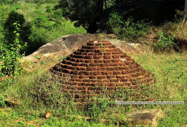 An ancient stupa at the Buduruwayaya Archaeological Site - Bakamuna