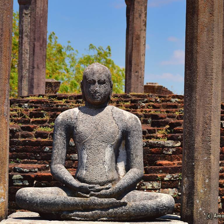 Buddha Statues inside the Medirigiriya Vatadage