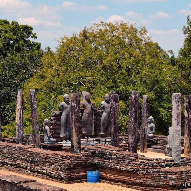 Standing Buddha statues at Pichcha Mal Viharaya at Medirigiriya VatadageStanding Buddha statues at Pichcha Mal Viharaya at Medirigiriya Vatadage