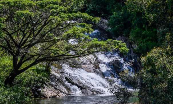 Mahadoraliyadda Ella Falls also known as Thennelanda Ella