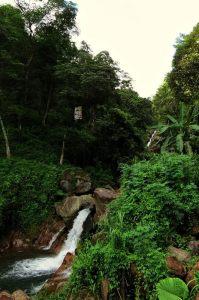 Punugala Ella (Anda Dola Ella) Falls