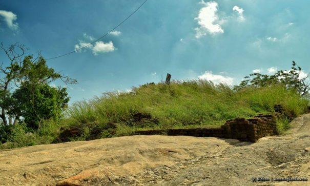 The dilapidated stupa at the top of the rock at Pashana Pabbatha Rajamaha Viharaya