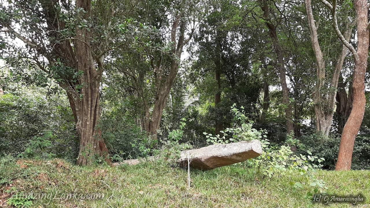 Ruins of Kiribath Vehera of Ancient Anuradhapura - අනුරාධපුර කිරිබත් වෙහෙර නටබුන්