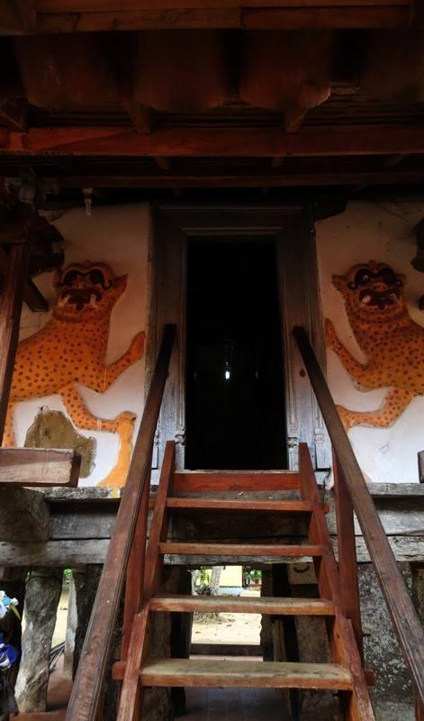 The entrance to the Tampita Viharaya of Dalukgolla Sri Purwarama Rajamaha Viharaya