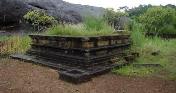 Ancient bodhigaraya of Danakirigala Rajamaha Viharaya