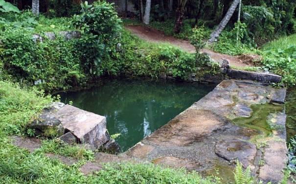 The granite well at the Ambagaspitiya Gallindawatta