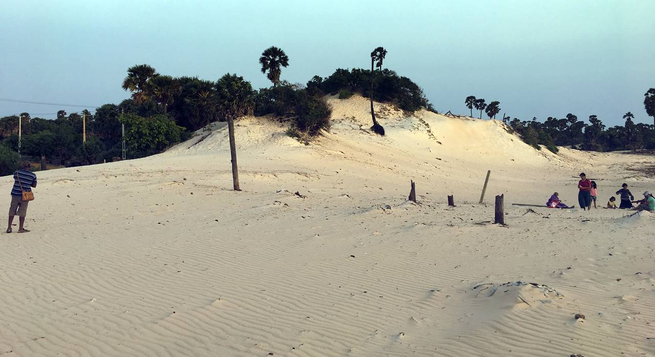 Sand Dunes of Kavutharimunai in Pooneryn