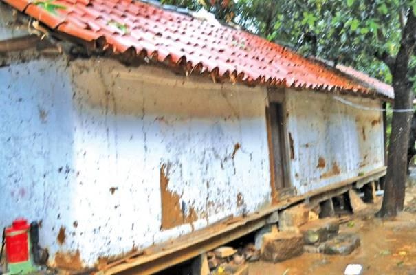 Tampita Grain Storage Unit at Pallepola Sri Weluwanaramaya