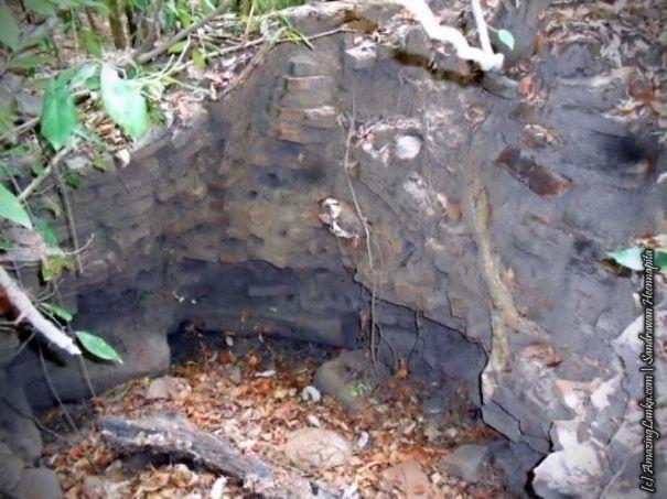 නිධන් හොරුන් විසින් වනසා ඇති ත්රිකුණාමලය සිරිමංගලපුර බෞද්ධ ණටබුන් - Sirimangalapura Buddhist Ruins in Trincomalee