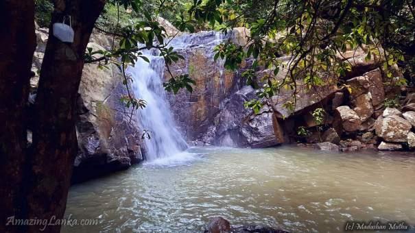 Mulatiyana Kak Ella Waterfall - මුලටියන කාක් ඇල්ල