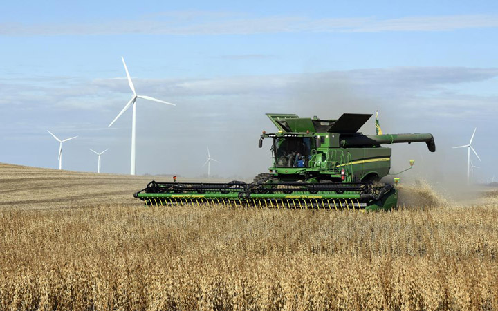 Trade War Issues US Farmers Are Filing For Bankruptcy