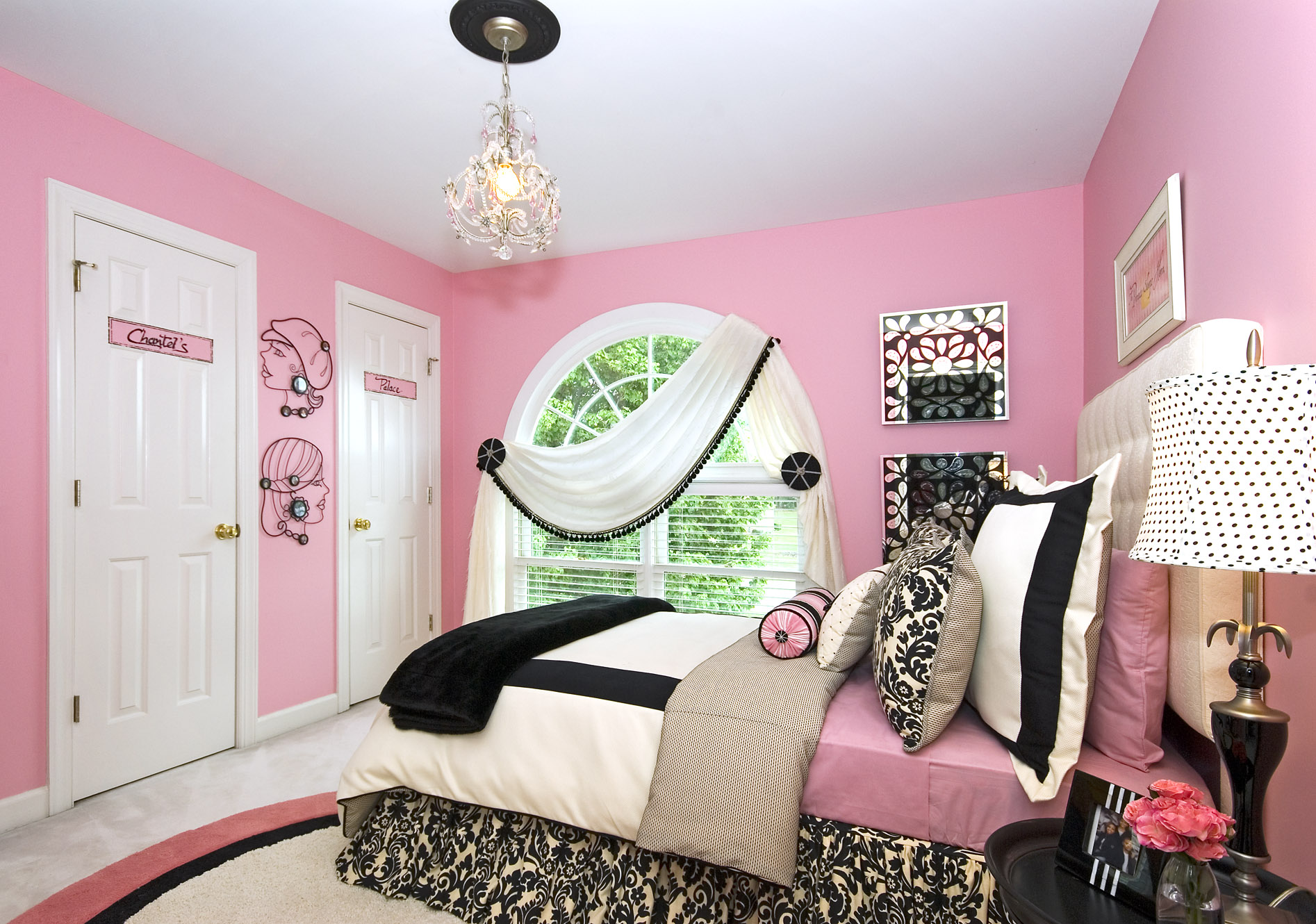 Bedroom designs for teenage girls and Beautiful Teenage ... on Room Design For Girls Teenagers  id=45191