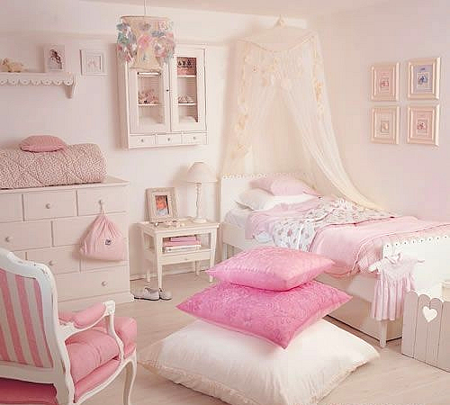 Bedroom designs for teenage girls and Beautiful Teenage ... on Beautiful Room For Girls  id=62219