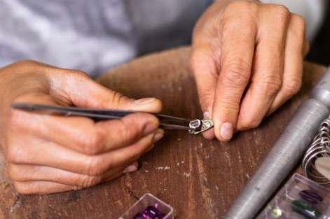 Design your own jewelry takes quality time