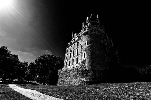10 Scariest and Horrifying Haunted Castles Still In Existence Today