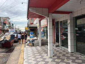 Venezuelano reage a assalto e é baleado em Manaus