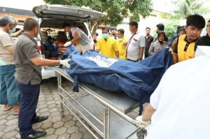 Incêndio em fábrica deixa ao menos 30 mortos na Indonésia