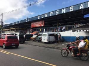 Flanelinha é executado a tiros na feira da Compensa, em Manaus